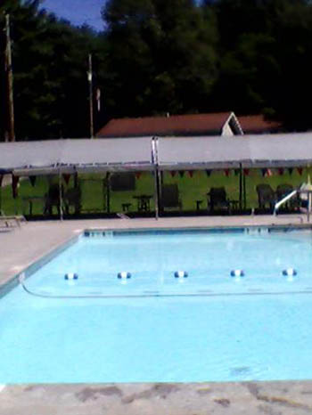 come see the swimming pool at oakland valley campground in ny